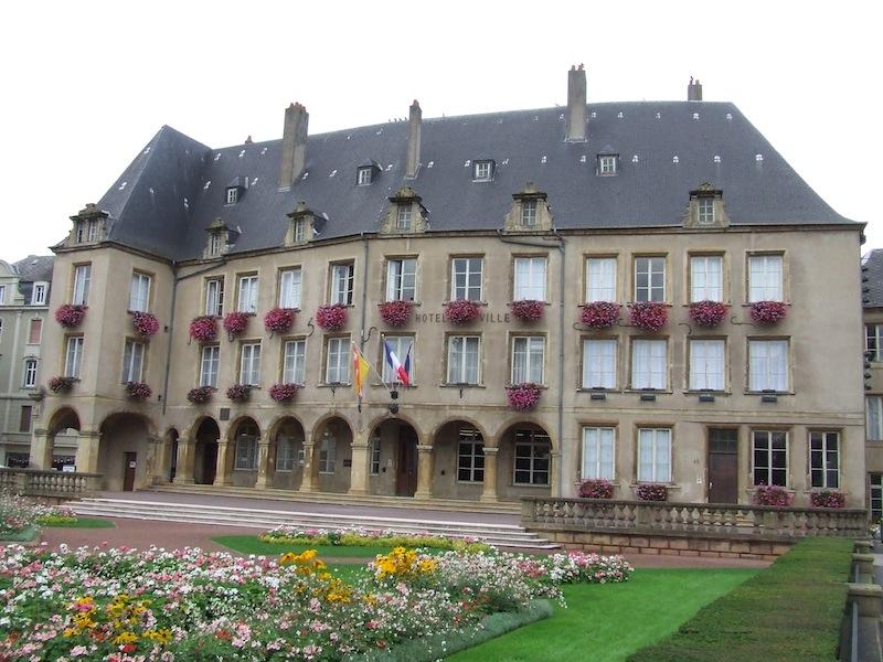 Thionville_Hotel_de_ville_vue_tourC